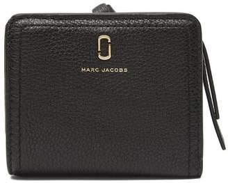 60139313e85 Marc Jacobs The Softshot Mini Compact Wallet