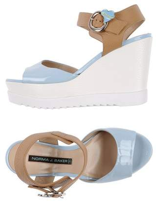Leather Crown Sandals