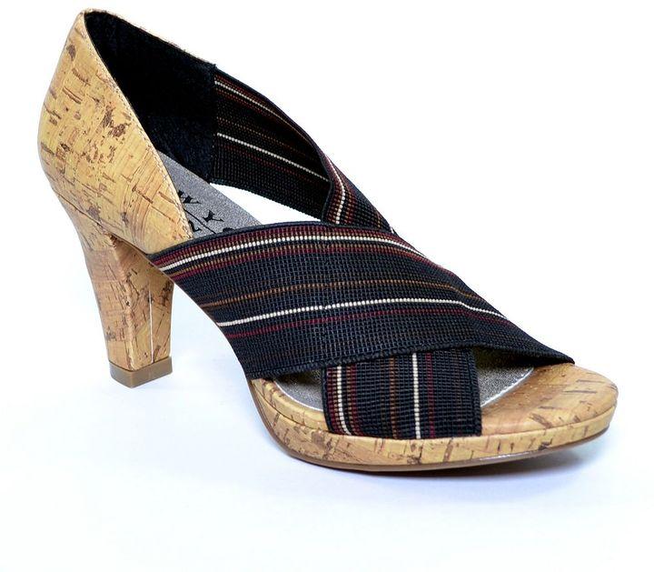 JLO by Jennifer Lopez New york transit panorama high heels - women