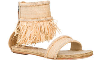 Max Studio jargon : ankle-fringed sandals