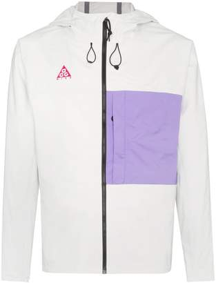 70dfb09b6bca9 Nike NRG ACG 2.5L packable windbreaker jacket