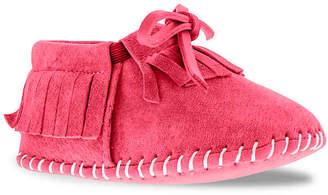 Lamo Baby Fringe Infant Crib Shoe - Girl's