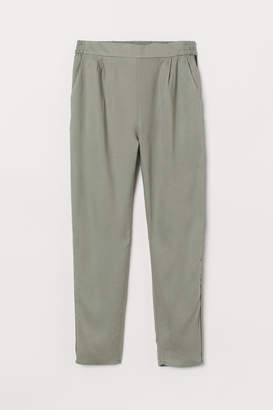 H&M Trousers with side stripes