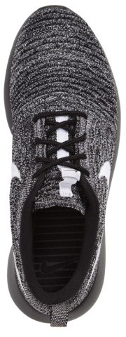 Nike Women's Flyknit Roshe Run Sneaker