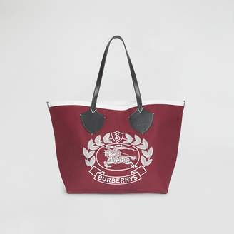 Burberry The Giant Tote in Archive Crest Cotton