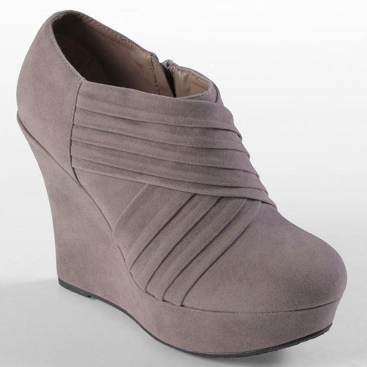 Journee Collection michelle platform wedge booties - women