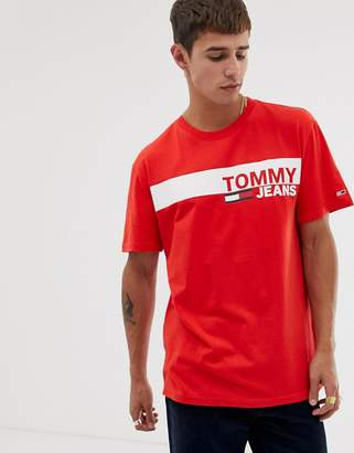 22d7fd0a0 Tommy Jeans essential t-shirt with chest box logo in red