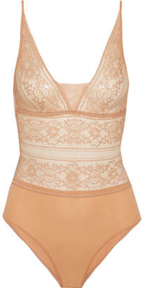 Ophelia Whistling Stretch And Leavers Lace Bodysuit - Peach