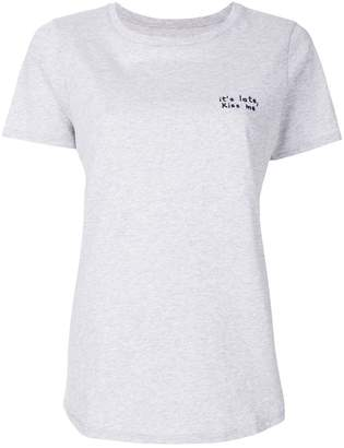 Parker Chinti & Kiss Me T-shirt