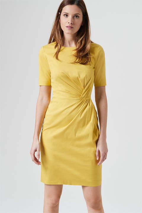 Drapé-Kleid