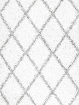 nuLoom Shanna Diamond Patterned Shaggy Area Rug