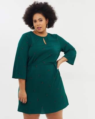 ICONIC EXCLUSIVE - Talia Printed Keyhole Dress