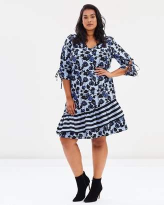 Junarose Lea 3/4 Sleeve On-Knee Dress