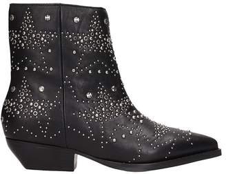Lola Cruz Black Leather Ankle Boot