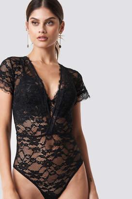 Na Kd Lingerie V-Neck Short Sleeve Lace Bodysuit Black