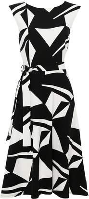 Wallis Petite Geo Print Dress - Black & White