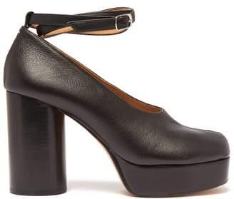 Maison Margiela Tabi Split Toe Ankle Strap Leather Pumps - Womens - Black