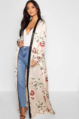 boohoo Petite All Over Floral Satin Maxi