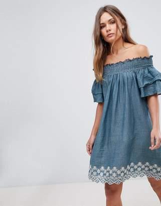 En Creme En Crme Cold Shoulder Dress With Embroidery
