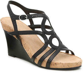 Kelly & Katie Plushin Wedge Sandal - Women's