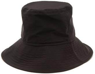 Ami Chin Strap Bucket Hat - Mens - Black 099d91a4af9