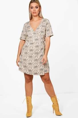 boohoo Plus Sasha Ditsy Floral Woven Wrap Dress