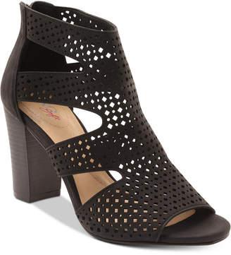 XOXO Beamer Sandals Women's Shoes