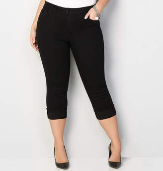 Avenue Cuffed Denim Capri in Black