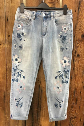 FDJ French Dressing Floral Accent Crop