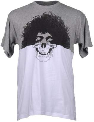Amaranto Short sleeve t-shirts - Item 37507345RM