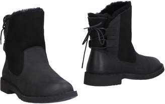 UGG Ankle boots - Item 11467873MB