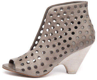 Django & Juliette New Bean Donkey Womens Shoes Dress Shoes Heeled
