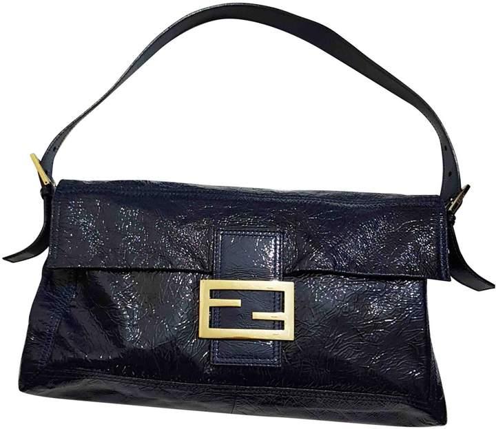 Baguette patent leather handbag