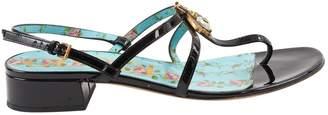 Gucci Patent leather flip flops