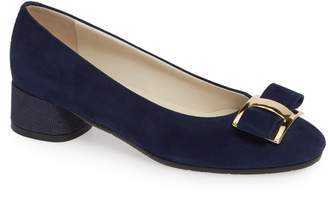 Amalfi by Rangoni Rho Bow Pump