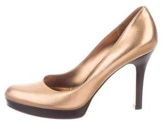 f17fd2f83 Gucci Gold Metallic Leather Pumps - ShopStyle