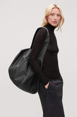Cos COLLAPSED TOTE BAG