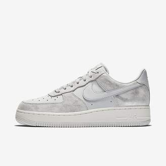 Nike Force 1 07 Premium Women's Shoe