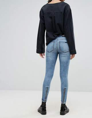 Dr. Denim Mid Rise Jean With Back Leg Zips