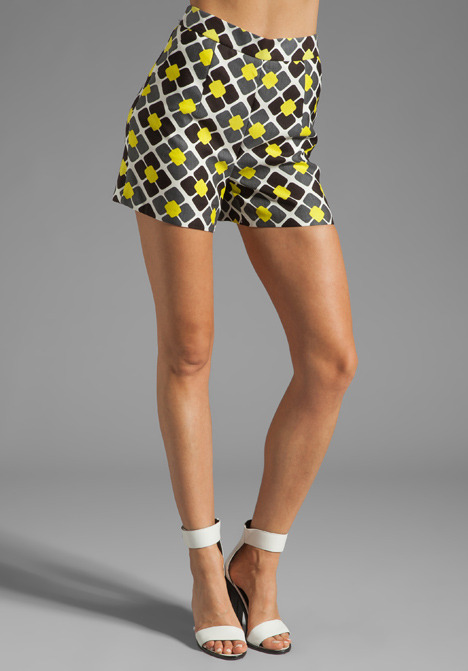 Milly Anna Tile Print on Silk Linen Kelsey Short in Solid Yellow