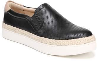 Dr. Scholl's Scout Slip-On Sneaker