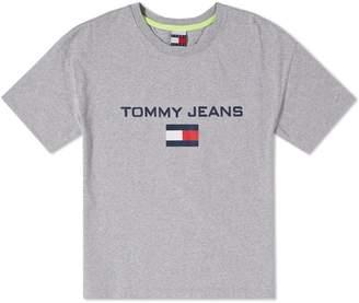 Tommy Jeans 5.0 Women's 90s Logo Tee