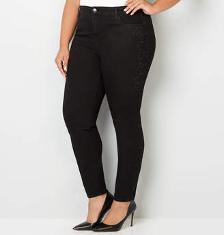Avenue Embroidered Skinny Jean in Black Rinse