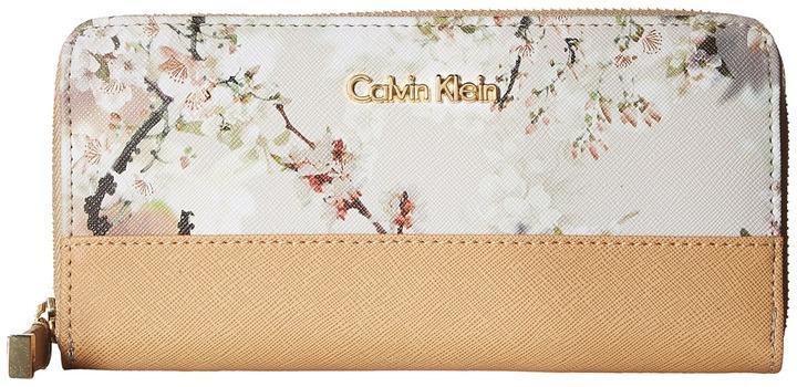 Calvin KleinCalvin Klein - Printed Novelty Wallet Wallet Handbags