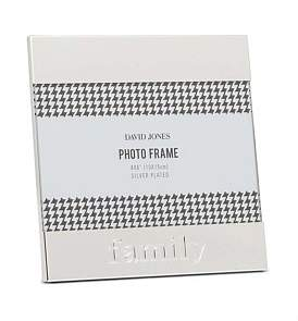 "David Jones {@@=Ist. Core. Helpers. StringHelper. ToProperCase(""Family' Metal Photo Frame, 4 x 6""/ 10 x 15 cm"")}"