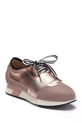 Report Quincy Lace Up Metallic Sneaker