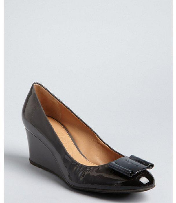 Salvatore Ferragamo charcoal ombre patent leather 'Silda' logo buckle wedge pumps