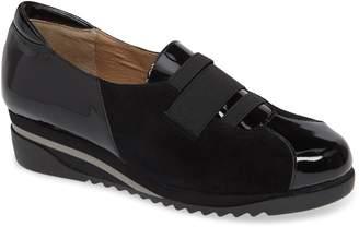 Bettye Muller CONCEPTS Taytum Sneaker