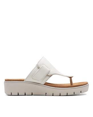 0f1fe0c35f4b Clarks Leather Footbed Sandals For Women - ShopStyle UK