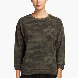 James Perse CAMO PRINT SHRUNKEN SWEAT TOP